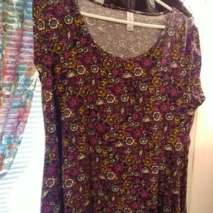 Lularoe perfect t size Medium